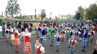 Праздник шотландского танца(Международный праздник шотландского танца в Диснейленде-Париж в ноябре 2011года., 2011-12-05T15:51:48.000Z)