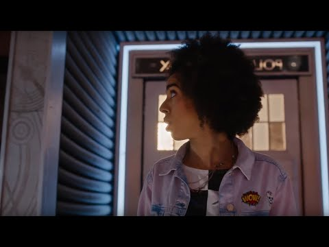 Bill Enters The TARDIS For The First Time - The Pilot Preview - Doctor Who: Series 10 - BBC