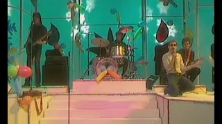 The Cheaters - (I wanna be a) policeman (Video)
