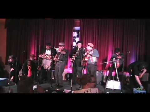 Strictly Jug Nuts at The Chicago Battle of the Jug Bands 2011