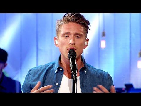 Danny Saucedo - Vaken (Original: I'm awake now) - Så mycket bättre (TV4)