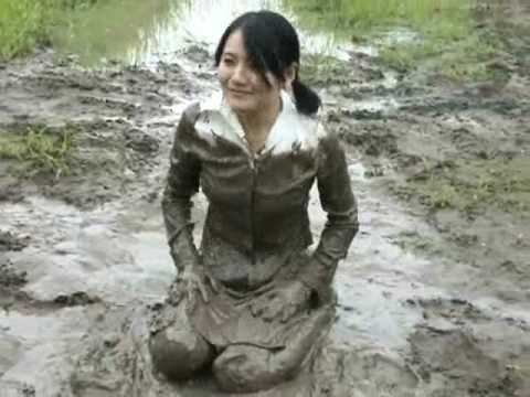 Japanese MESSY(MUDDY) movie ( DVD's sample movie )泥んこ