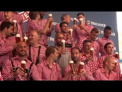 Bayern Munich players wear Lederhosen