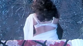 Repeat youtube video Bhabhi unhooks her hot bra for customers