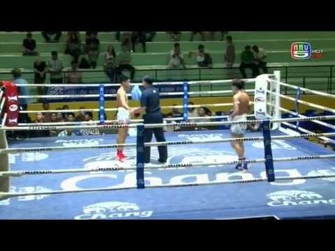 Professional Muay Thai Boxing from Lumphinee Stadium on 2014-11-15 at 11 pm