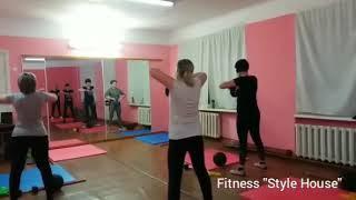 Fitness workout/Фитнес упражнения с слэмболом, резинка, гантелей, блинами, slemboll. Тренировка груп