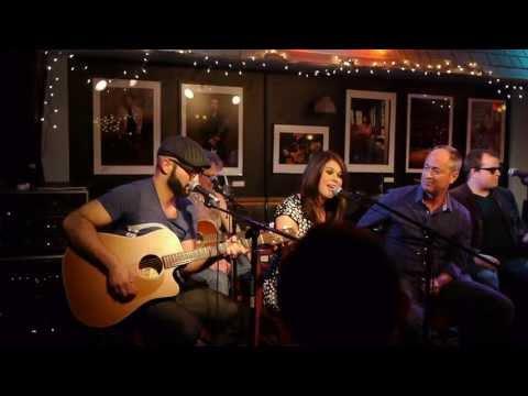 Jonathan Ferreri & Ashley Upton - The Bluebird Cafe - Beach Bum