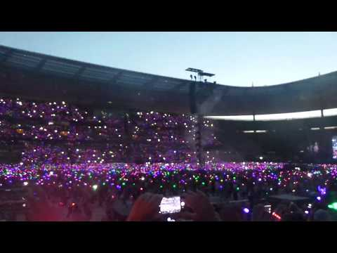Coldplay LIVE Paris - Chris: Please NO phones for 1 song - July 16th 2017 Stade de France