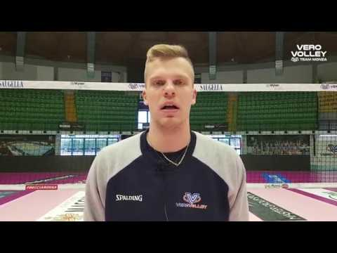 Donovan Dzavoronok pre allenamento congiunto con Milano