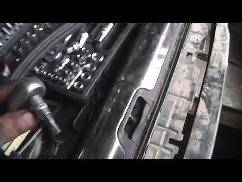 Как снять задний бампер Ситроен С5 универсал 2009 год