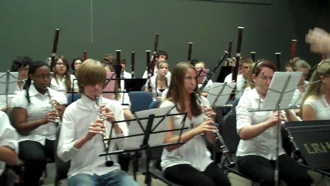 Who plays the oboe?