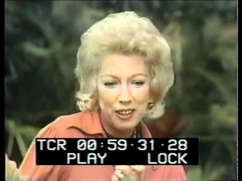 MARGARET KEANE 1972 In Hawaii - The Mike Douglas Show