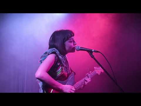 Stella Donnelly - Mean to Me (live)