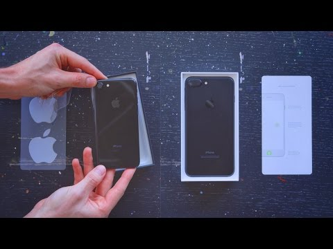 iPhone 7 vs 7 Plus Unboxing! (Jet Black)
