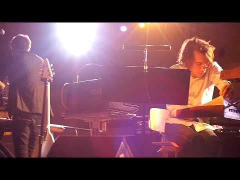YUKSEK & ALB Playing GIRLFRIEND @ Louvre | 01/12/09