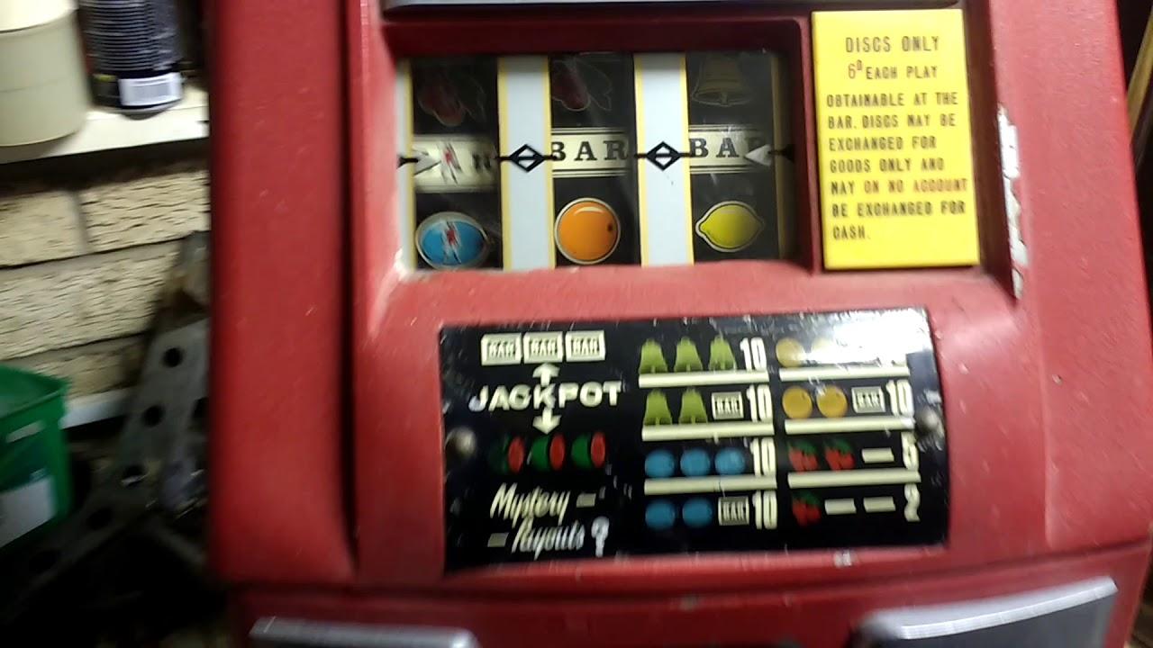 Lucky Devil Slot Machine