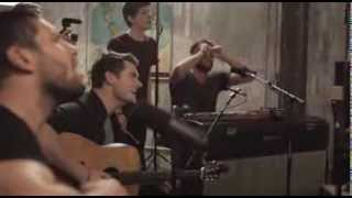 Hillsong UNITED - Love Is War ( ZION Acoustic Sessions )