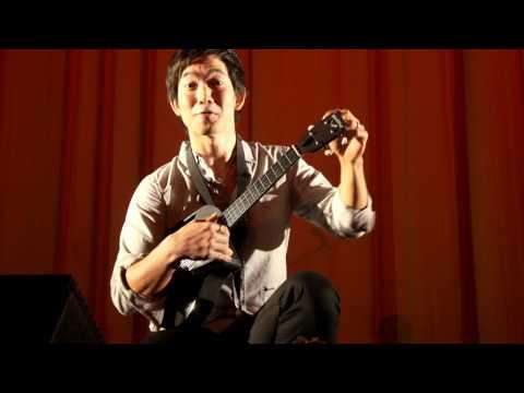 Jake Shimabukuro plays the Blackbird Tenor Ukulele (BTU)