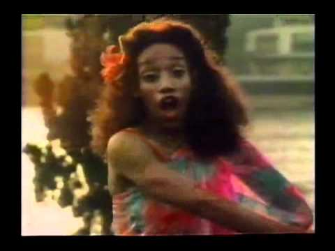 SISTER SLEDGE - WE ARE FAMILY (1979) OFFICIAL VIDEO