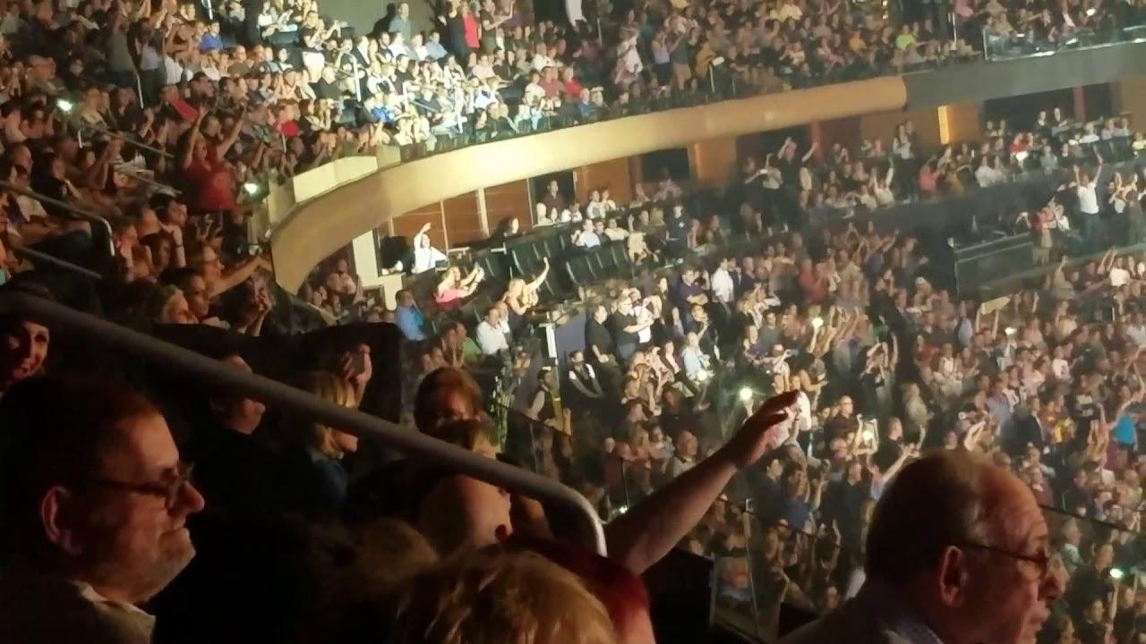 Paul McCartney - Madison Square Garden - 9/17/17 Hey Jude - YouTube