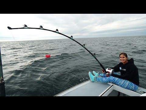 GIANT Rods, GIANT Baits, GIANT TUNA!!! New England Bluefin Tuna Fishing