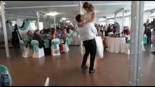 Чувственный и красивый свадебный танец!Песня супер!Новосибирск 2018