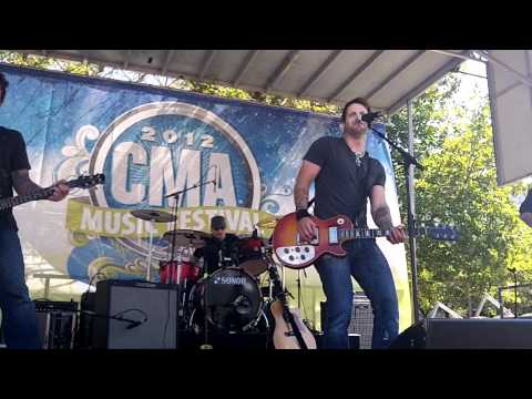Parmalee - Musta Had A Good Time (CMA Music Fest 2012)