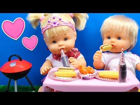 Primera cita de Naia y su novio Dani Barbacoa en el jardín   Bebés Nenuco Hermanitas Traviesas