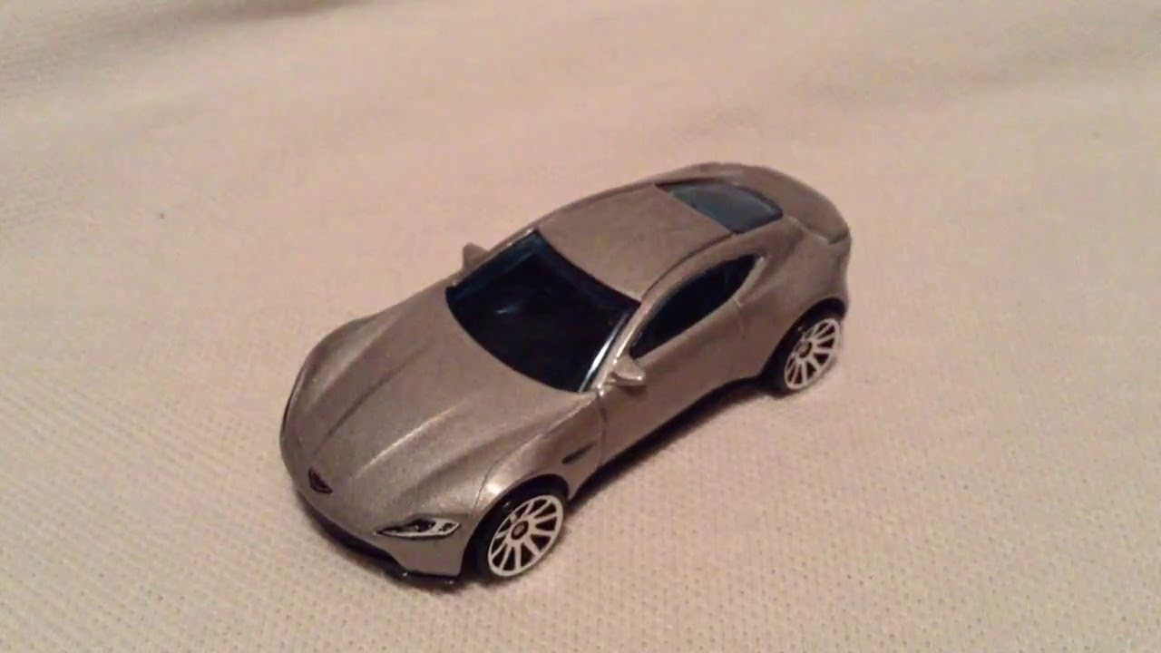 HOTWHEELS James Bond 007 SPECTRE Aston Martin Movie TV Diecast Car