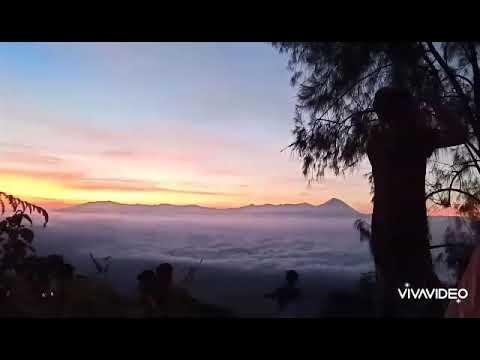 Bukit Jabal Desa Kucur Kabupaten Malang Negeri Di Atas Awan Youtube
