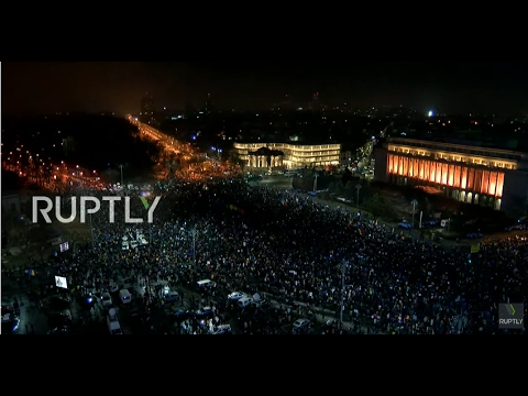 LIVE: Protests run on in Bucharest after govt. repeal corruption decree - top position