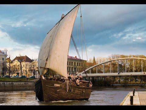 Tartu, en Estonie belle ville, la vie, les bâtiments, vert, histoire, les monuments, les femmes