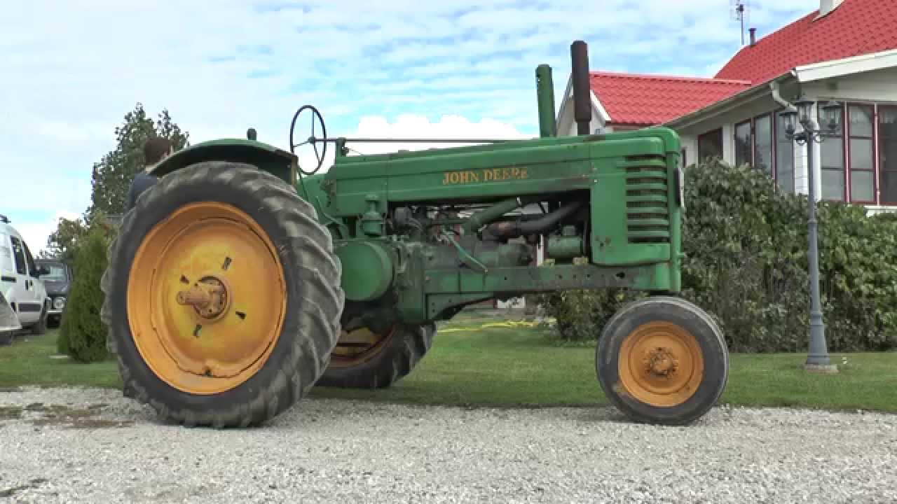 Old John Deere Tractors : Two old john deere tractors one from and