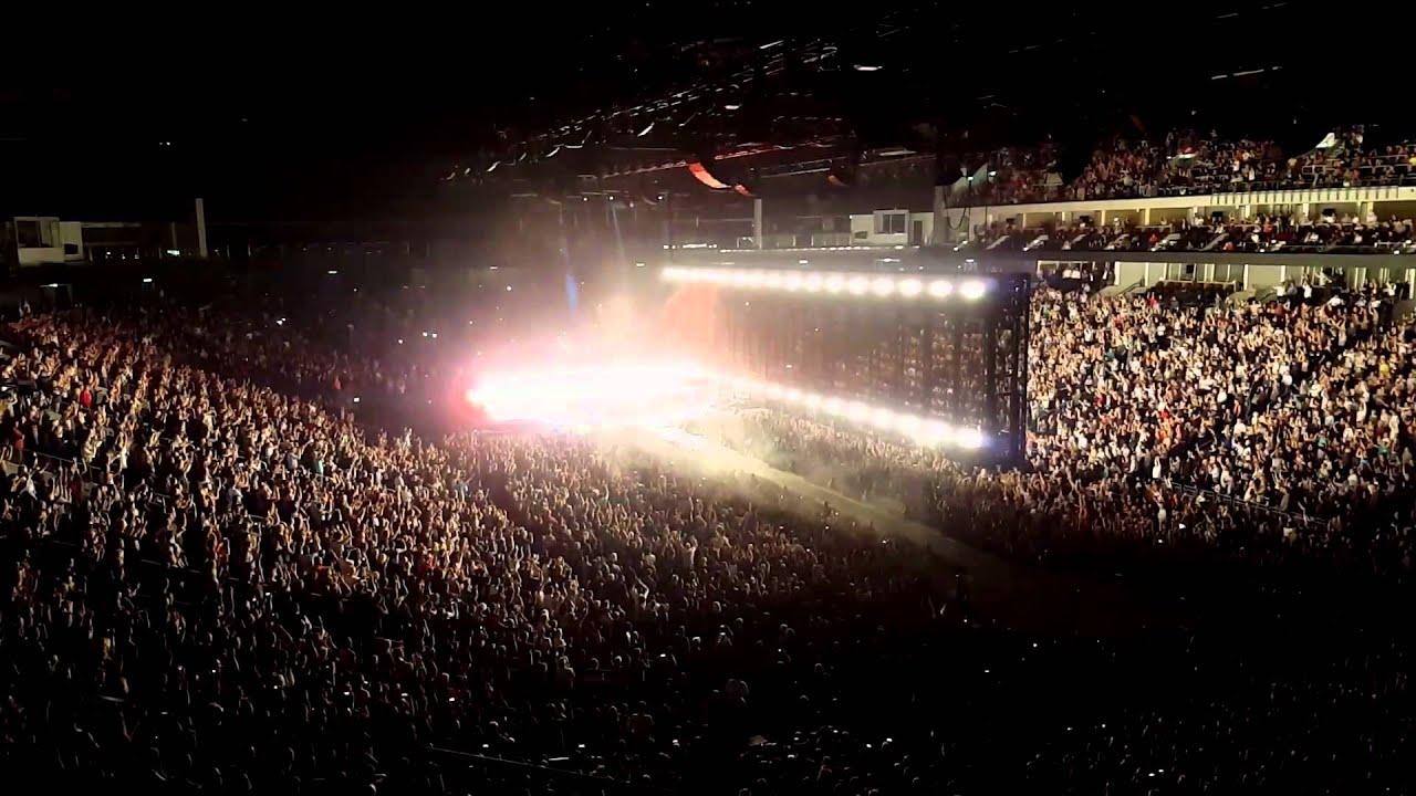 U2 2015 mercedes benz arena berlin youtube for Mercedes benz stadium concerts