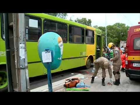 Mulher é atropelada por ônibus no Centro de Teresina