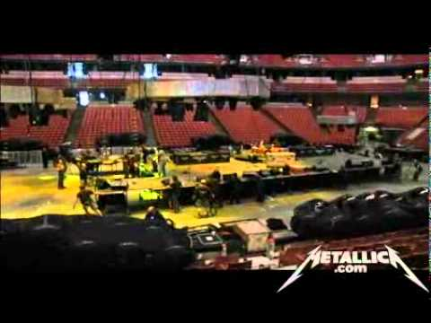 Metallica: Behind the World Magnetic Ball Drop (MetOnTour - Anaheim, CA - 2009) Thumbnail image