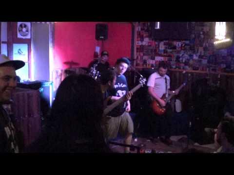 Mamíferos      Desterrados Rock and Pub 04-01-   2014