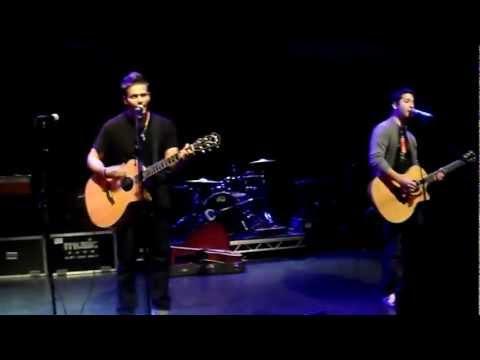 Fix You - Tyler Ward & Alejandro (Boyce Avenue)