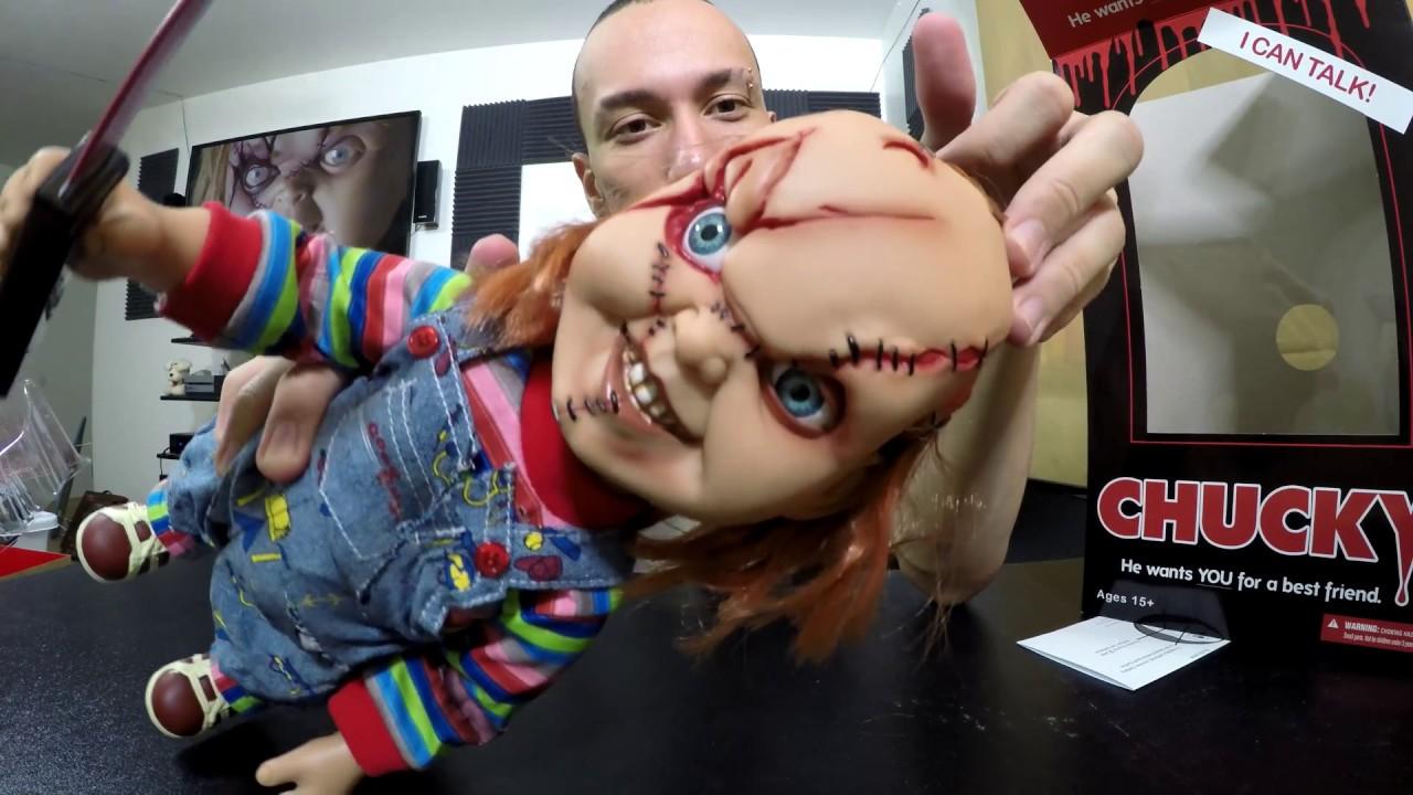 Unboxing Mezco 15 Inch Mega Scale Talking Chucky Youtube
