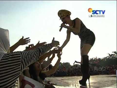 ZASKIA Live At Konser Istimewa HUT BHAYANGKARA 66 (30-06-2012) Courtesy SCTV