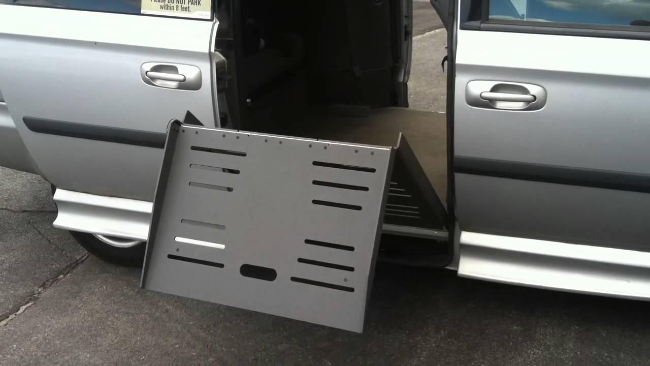 Wheelchair Lift For Car >> Braun Entervan II wheelchair van repairs new ramp ...