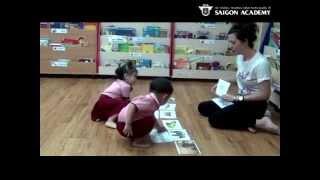 Bé học thẻ chữ tiếng anh _ GIA BẢO - HÀ NGÂN - Nursery 2.1