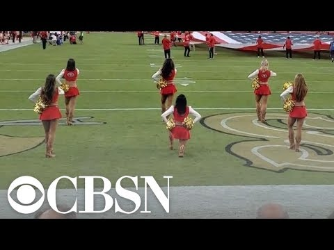 49ers Cheerleader Takes Knee During National Anthem