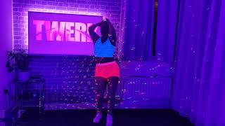 Neon Twerk Fit Live stream taster