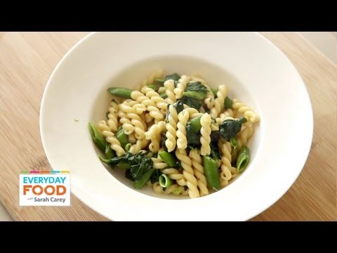 Pasta recipe with snap peas basil and spinach one pot dinner pasta recipe with snap peas basil and spinach one pot dinner everyday food with sarah carey forumfinder Gallery