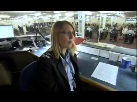 UK Border Force S01E01