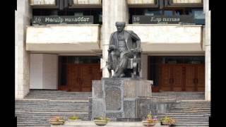 136. Памятник Мухтару Омархановичу Ауэзову