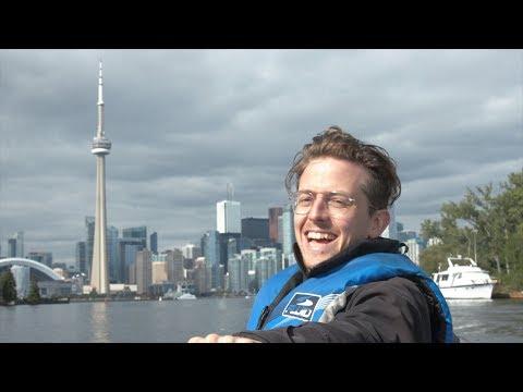 Powerboating To Toronto Islands