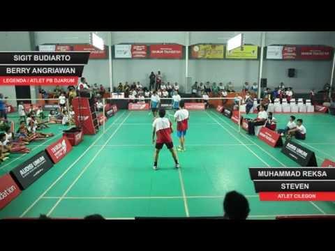 Sigit Budiarto / Berry Angriawan VS Muhammad Reksa / Steven (Djarum Badminton All Stars 2015)