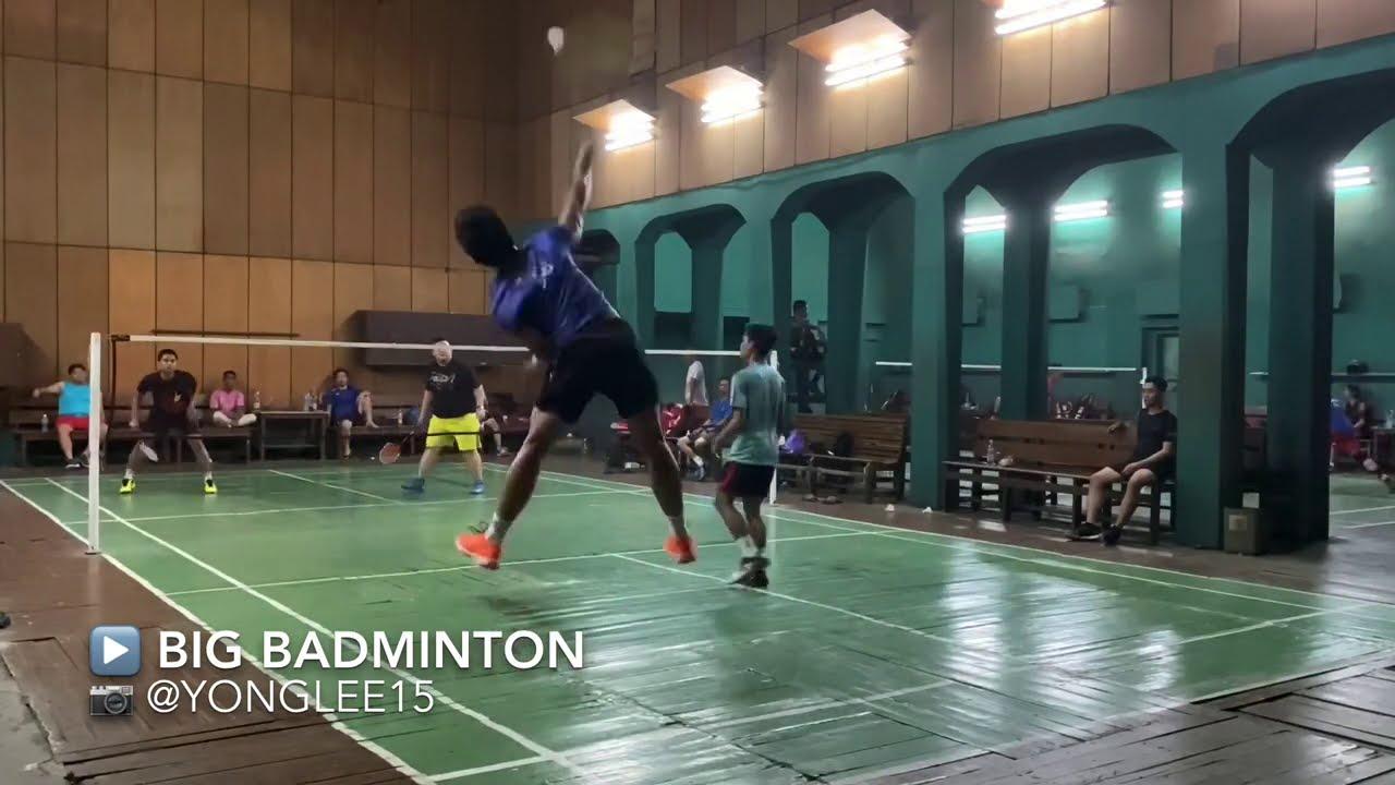 Pierderea în greutate jucând badminton